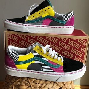 Vans sneakers size 9 new .suede material